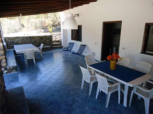 Villa Cratere A, Vulcanello, Vulcano